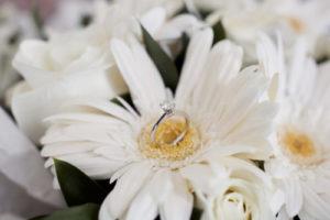 【国際結婚】結婚式を外国でしたい?絶対知らない「ブーケ」ルール5つ