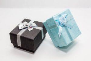 【国際恋愛】外国人彼氏が喜ぶ「誕生日」プレゼントはブラントよりも〇〇!